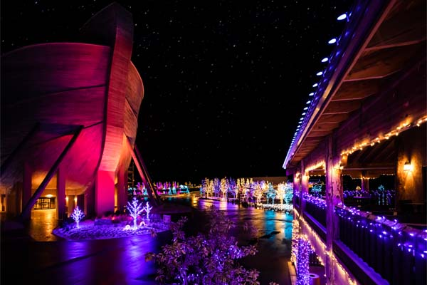 Ark Encounter Restaurant with Christmas lights