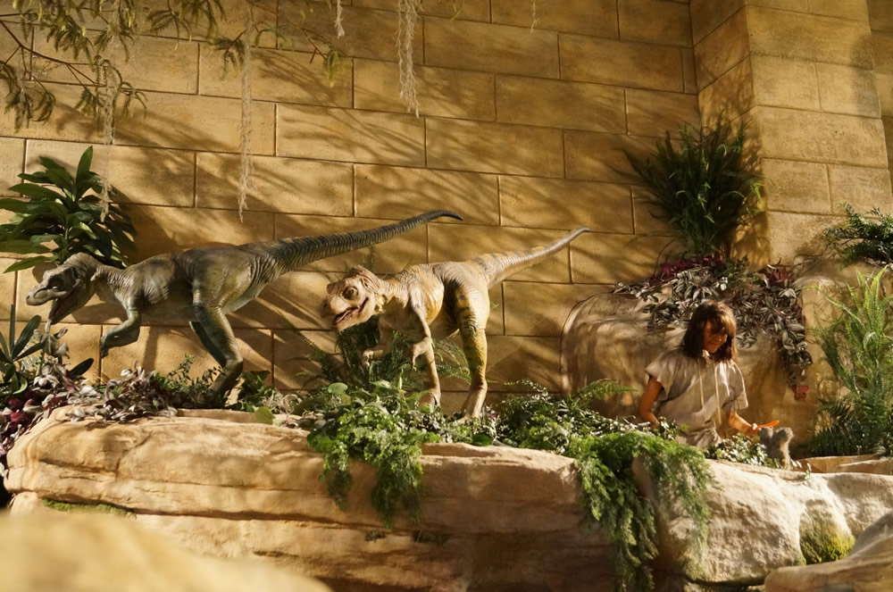 Dinosaurs and Humans Together at the Creation Museum